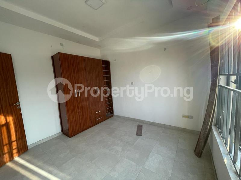 2 bedroom Flat / Apartment for sale Behind Enyo Filling Station, Chisco Bustop Ikate Lekki Lagos - 12