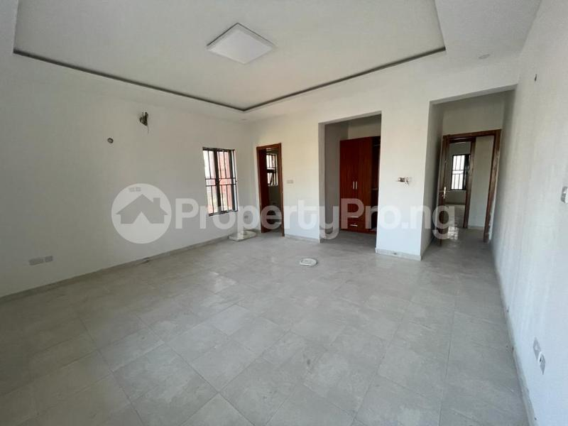 2 bedroom Flat / Apartment for sale Behind Enyo Filling Station, Chisco Bustop Ikate Lekki Lagos - 3