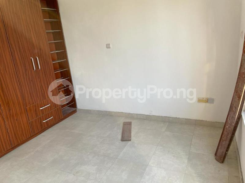 2 bedroom Flat / Apartment for sale Behind Enyo Filling Station, Chisco Bustop Ikate Lekki Lagos - 10