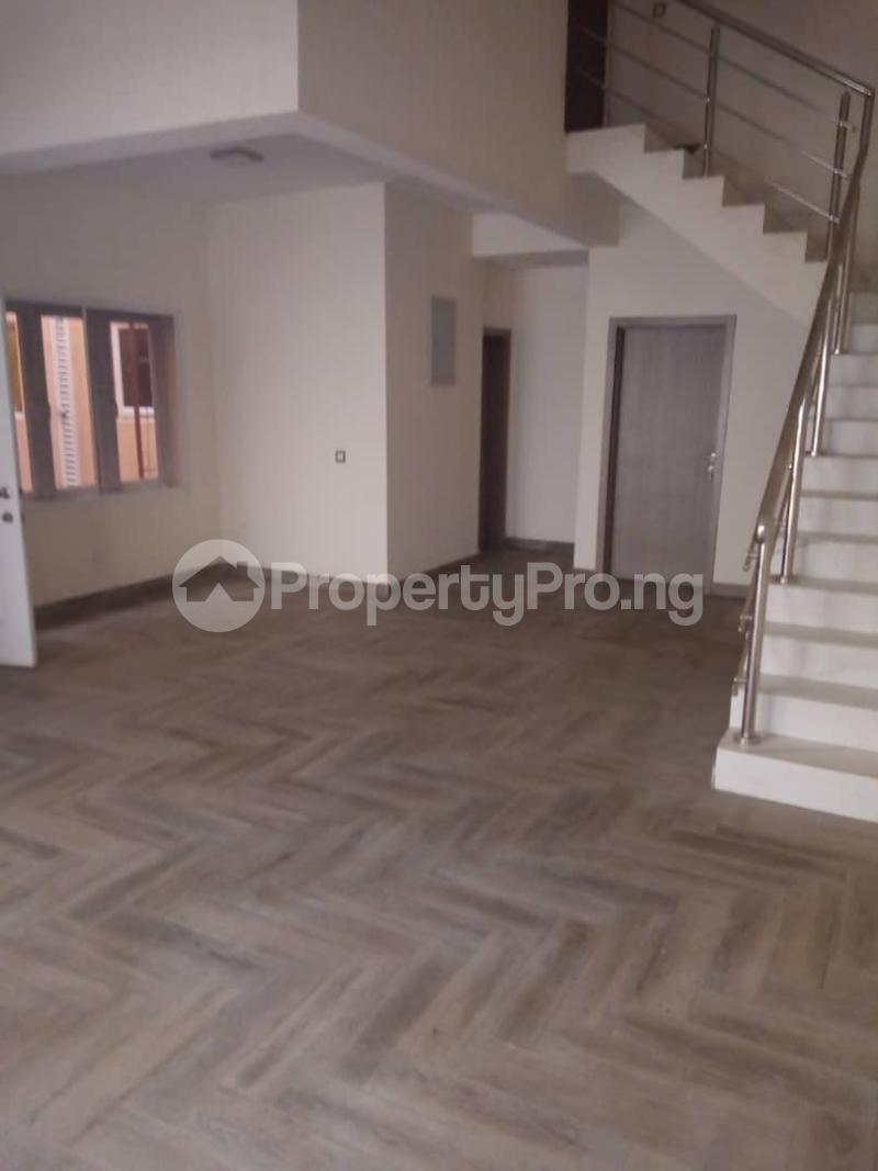 3 bedroom Flat / Apartment for sale Oba MUSA Estate Agungi Lekki Lagos - 3
