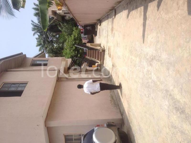 2 bedroom Flat / Apartment for rent OFF ALPHA BEACH ROAD Igbo-efon Lekki Lagos - 0