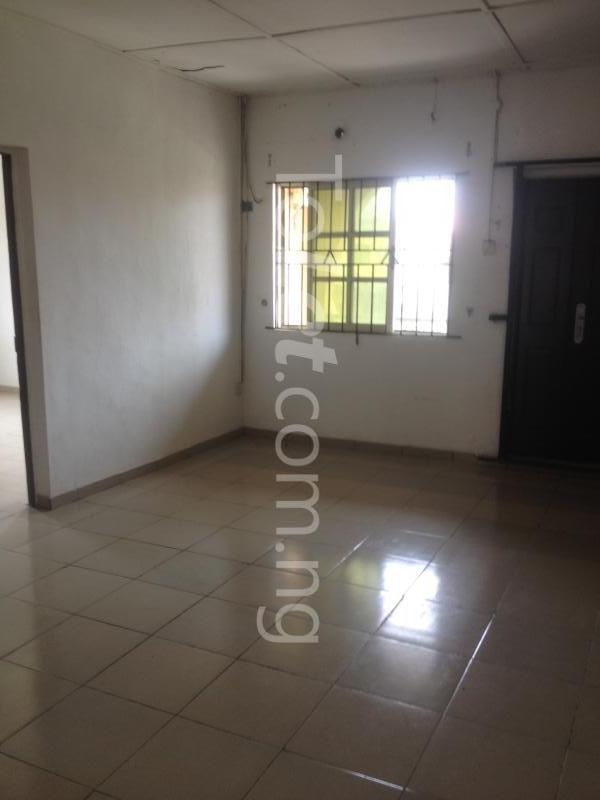 2 bedroom Flat / Apartment for rent OFF ALPHA BEACH ROAD Igbo-efon Lekki Lagos - 3