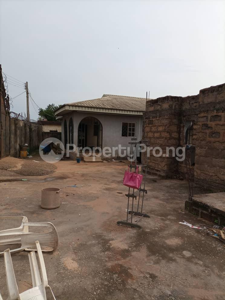 Semi Detached Bungalow for sale Located Off Second Ugbor, Off Trinity Road, Close To Osunde Foundation House. G.r.a Oredo Edo - 6