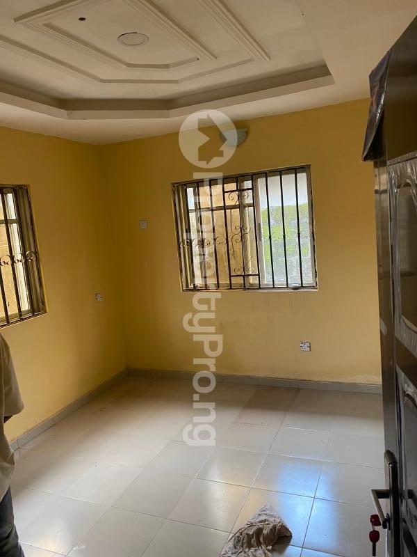3 bedroom Flat / Apartment for rent Akobo Ibadan Oyo - 4