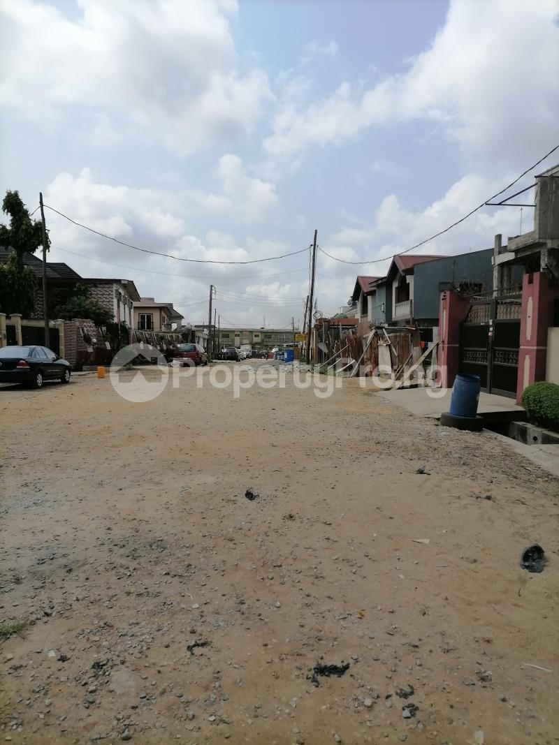 5 bedroom Semi Detached Duplex for sale Atunrae Estate Atunrase Medina Gbagada Lagos - 2