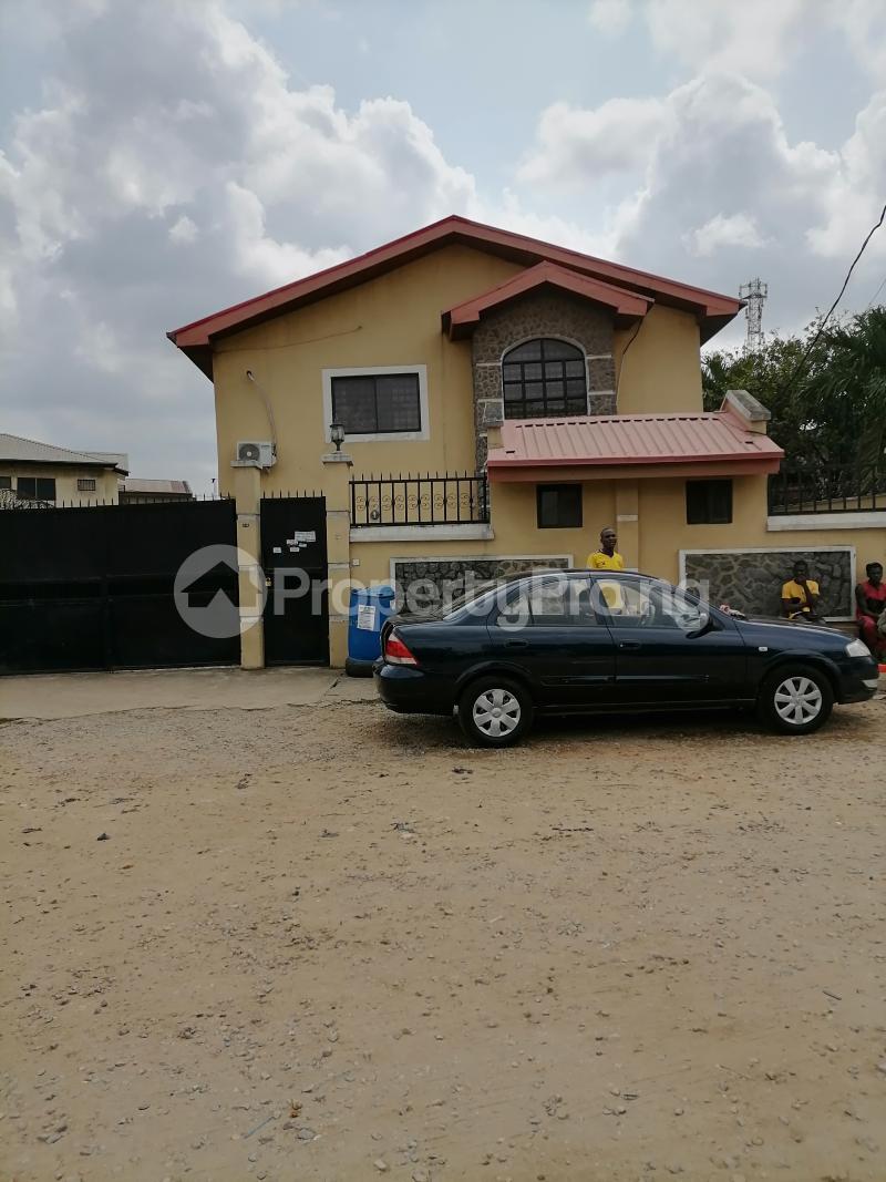 5 bedroom Semi Detached Duplex for sale Atunrae Estate Atunrase Medina Gbagada Lagos - 0
