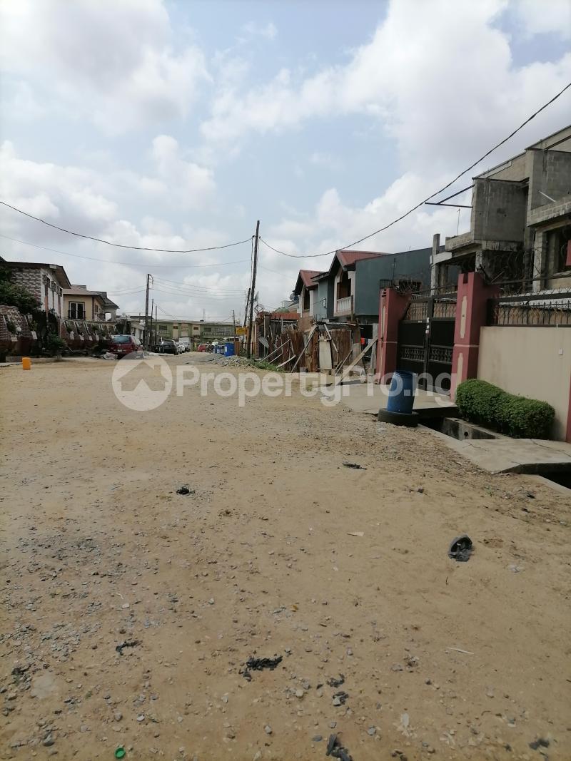 5 bedroom Semi Detached Duplex for sale Atunrae Estate Atunrase Medina Gbagada Lagos - 3