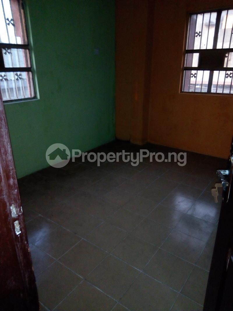 3 bedroom Blocks of Flats House for rent Aina Street  Shomolu Shomolu Lagos - 4