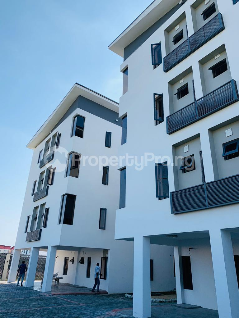 3 bedroom Flat / Apartment for sale Osapa london Lekki Lagos - 11