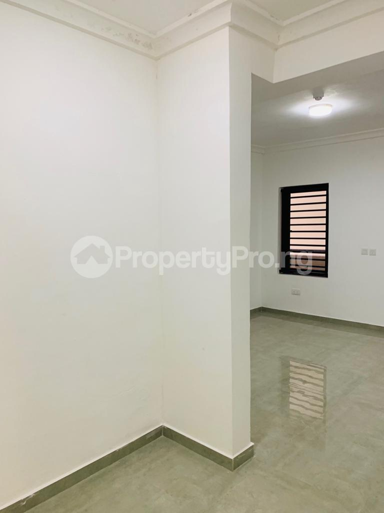 3 bedroom Flat / Apartment for rent Osapa london Lekki Lagos - 2