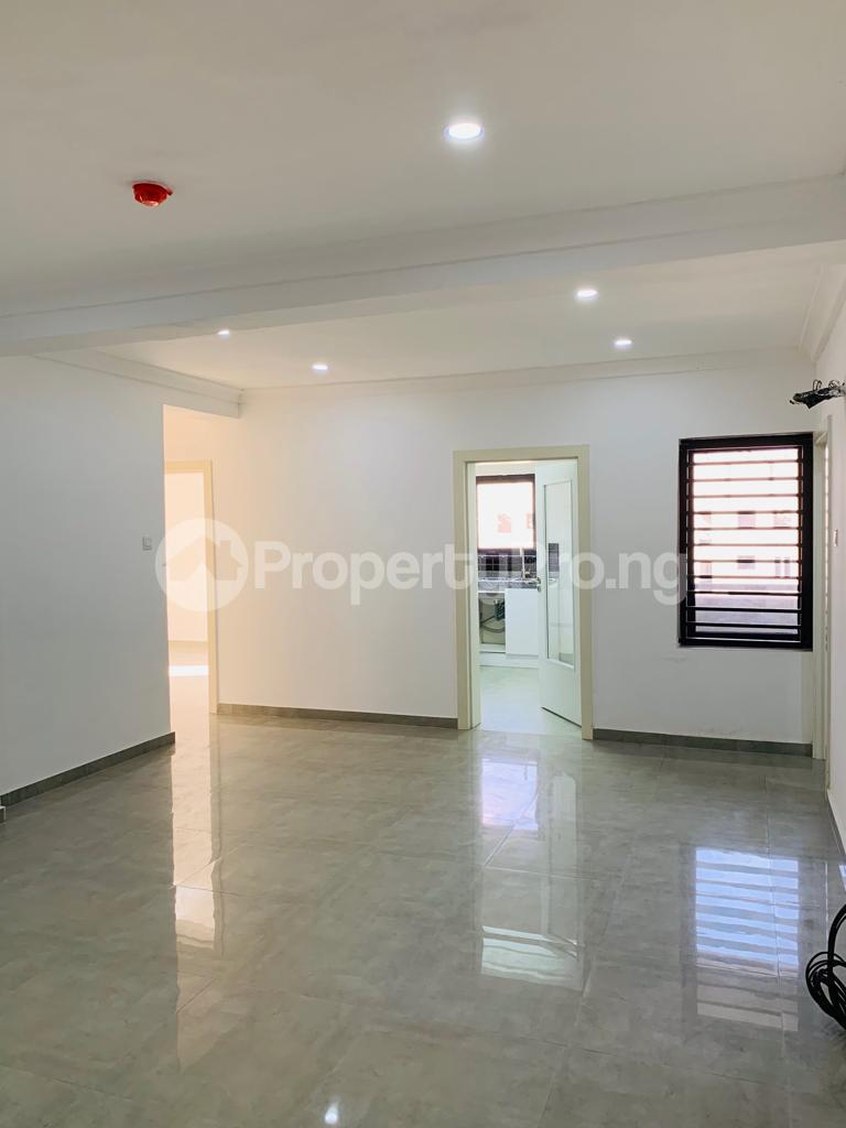 3 bedroom Flat / Apartment for sale Osapa london Lekki Lagos - 4