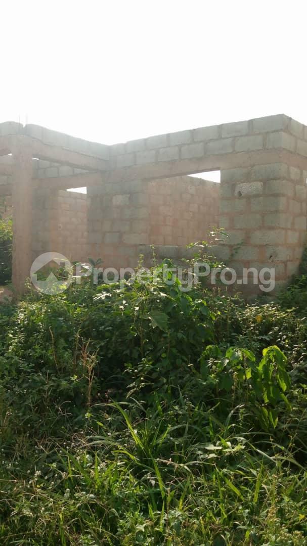 3 bedroom Detached Bungalow House for sale Very close to Community High School, Alágbaà area, Elenusonso ibadan. auda Ibadan Oyo - 2