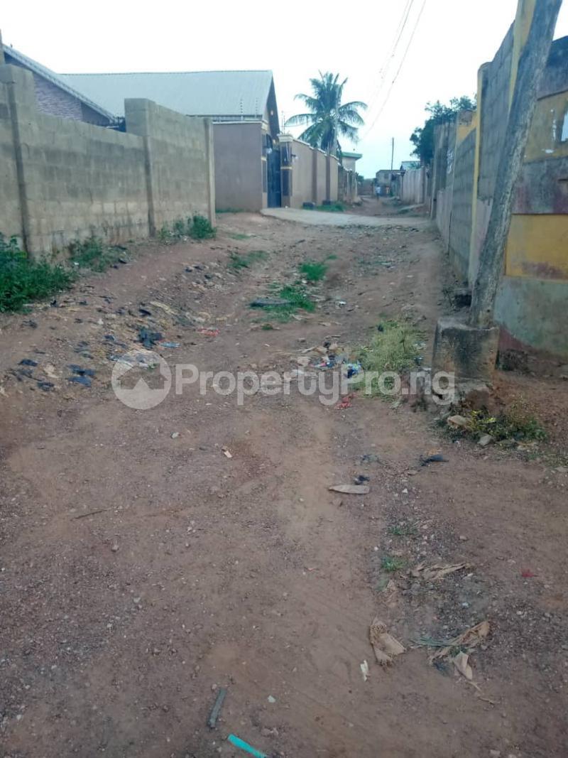 3 bedroom Detached Bungalow House for sale  iyana church area opposite lion of Judah church Iwo Rd Ibadan Oyo - 2
