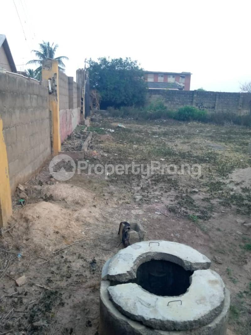 3 bedroom Detached Bungalow House for sale  iyana church area opposite lion of Judah church Iwo Rd Ibadan Oyo - 12