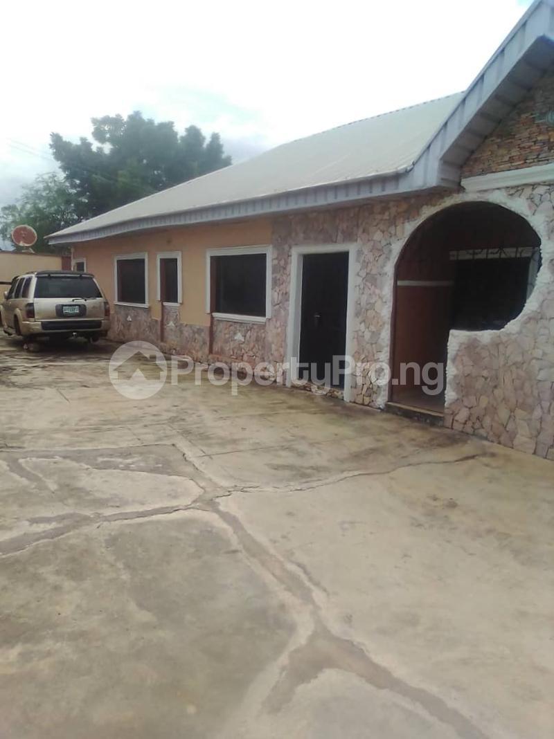 3 bedroom Terraced Bungalow House for rent Oki Iwo Rd Ibadan Oyo - 0