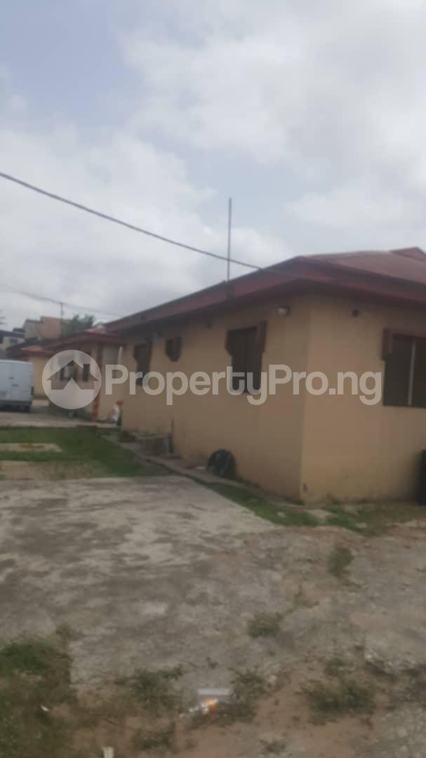 3 bedroom Flat / Apartment for sale Off Ailegun Road Bucknor Isolo Lagos - 0