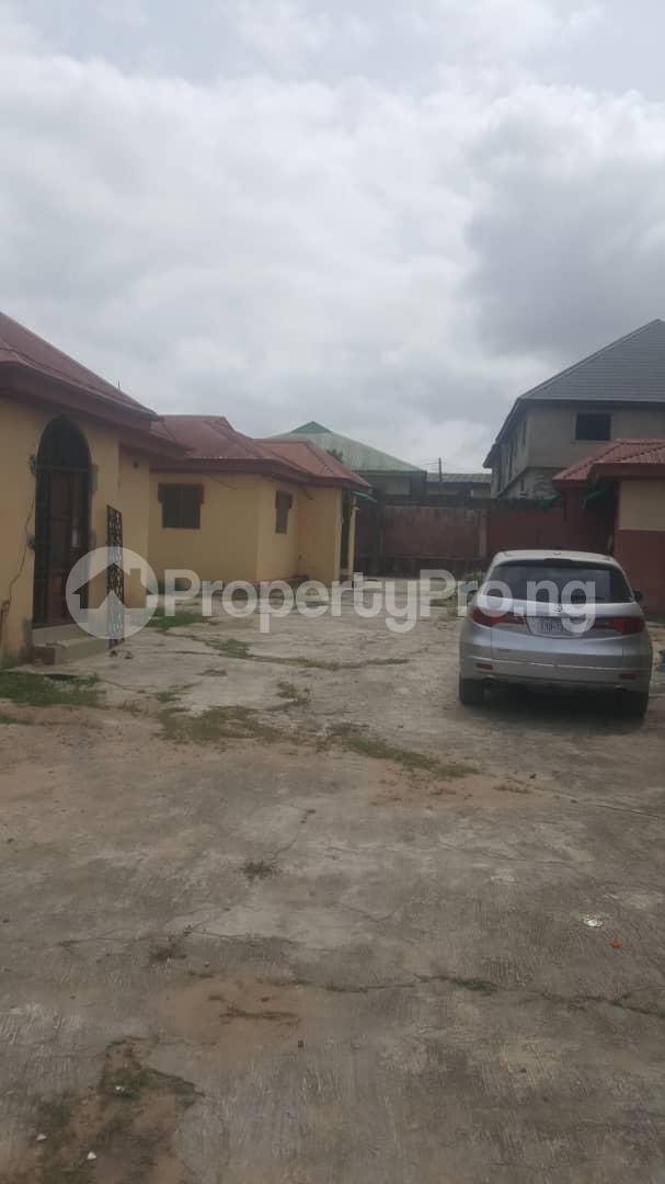 3 bedroom Flat / Apartment for sale Off Ailegun Road Bucknor Isolo Lagos - 6