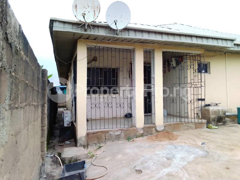 3 bedroom House for sale Odeku Estate Idiroko Road, Academy Off Taska Akala Express, Ibadan. Ibadan Oyo - 3