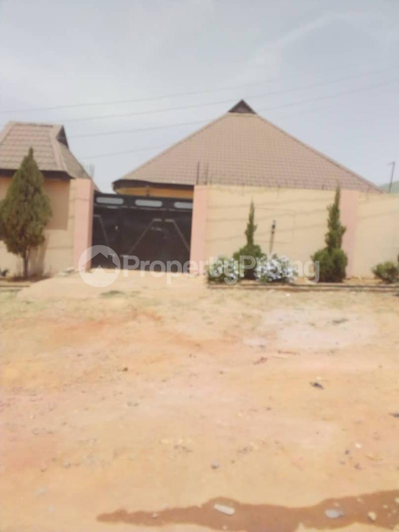 3 bedroom Detached Bungalow House for sale Barnawa Phase 2 Kaduna South Kaduna - 0