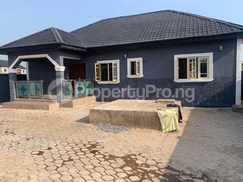 3 bedroom Detached Bungalow for sale Mowe Obafemi Owode Ogun - 0