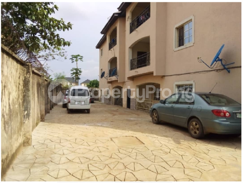 3 bedroom Blocks of Flats House for sale Close to Profs Avenue Spibat Owerri Imo - 2