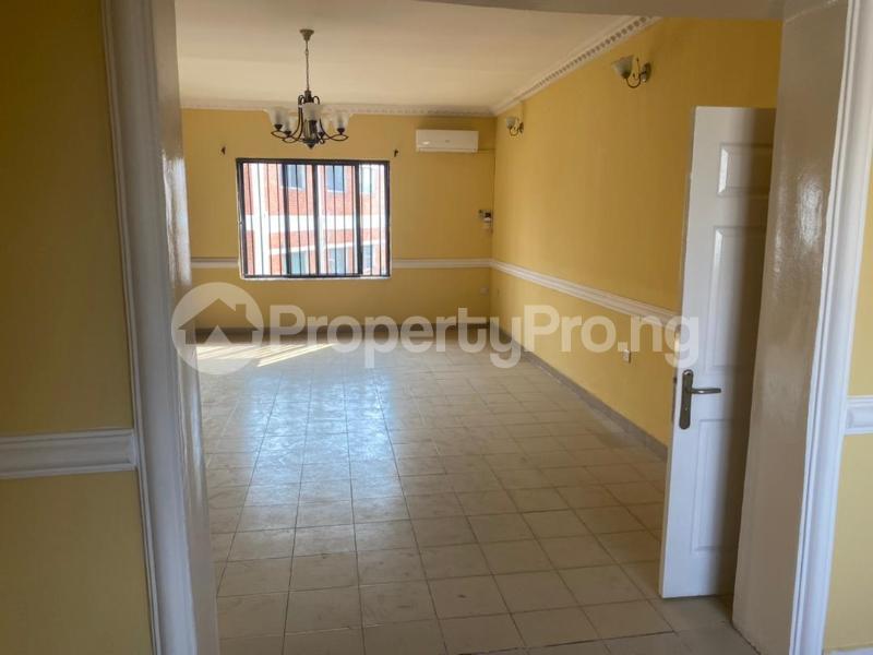 3 bedroom Flat / Apartment for rent Shonibare Estate Mobolaji Bank Anthony Way Ikeja Lagos - 10