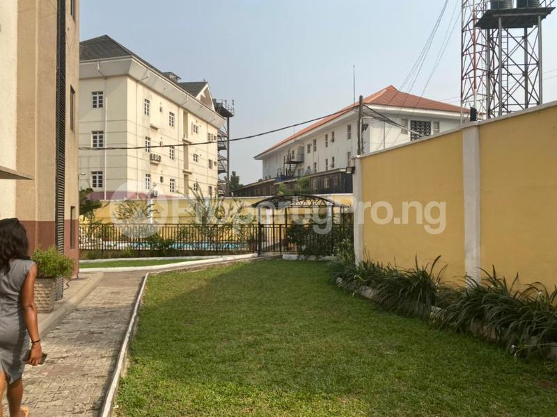 3 bedroom Flat / Apartment for rent Shonibare Estate Mobolaji Bank Anthony Way Ikeja Lagos - 20