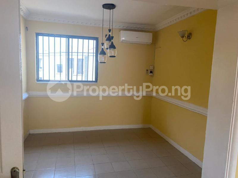 3 bedroom Flat / Apartment for rent Shonibare Estate Mobolaji Bank Anthony Way Ikeja Lagos - 5