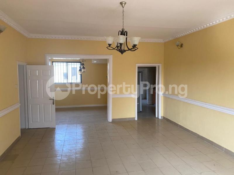 3 bedroom Flat / Apartment for rent Shonibare Estate Mobolaji Bank Anthony Way Ikeja Lagos - 11