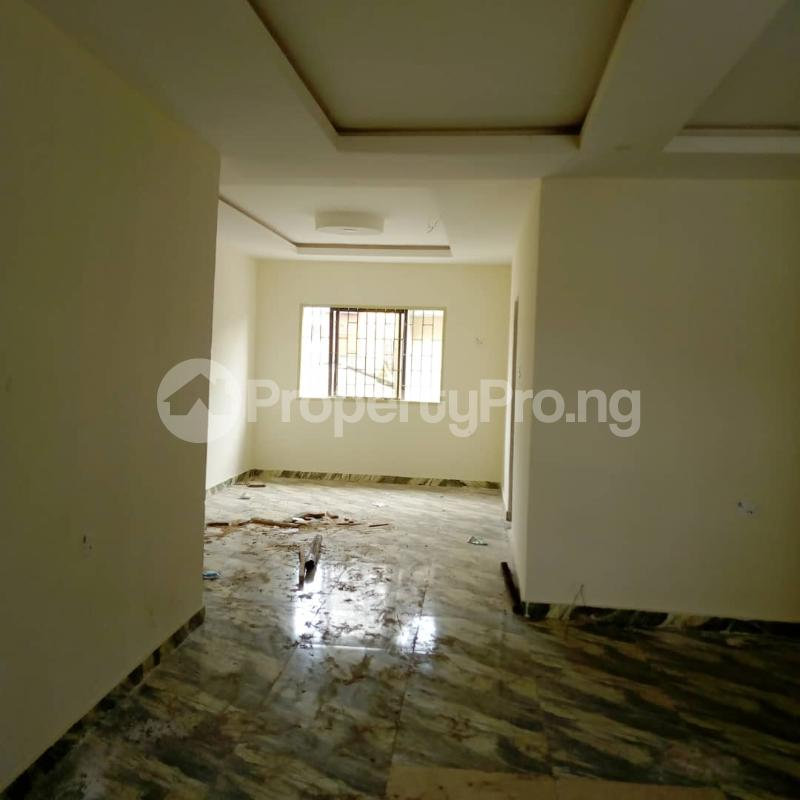 3 bedroom Flat / Apartment for rent Off Aiyelegun Road, Bucknor Isolo Lagos - 10