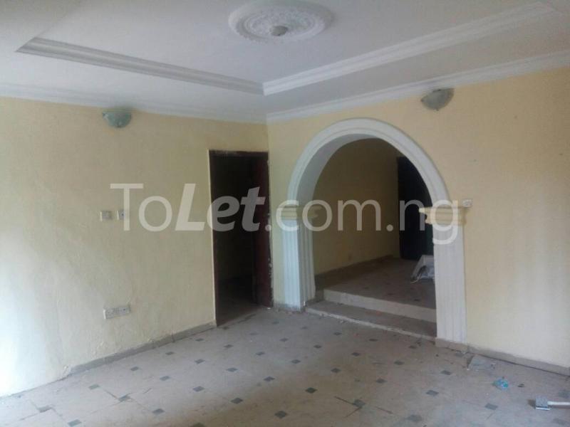 3 bedroom Flat / Apartment for sale Off Oriola street Alapere Kosofe/Ikosi Lagos - 4