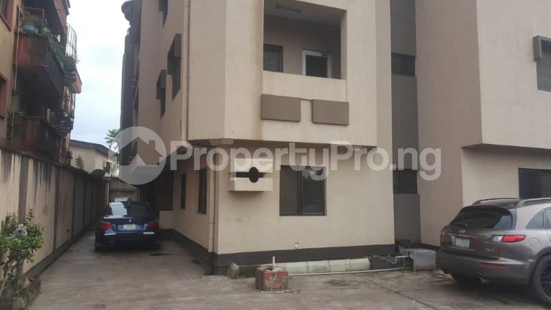 3 bedroom Flat / Apartment for rent Adedotun  Dina Street,  Mende Maryland Lagos - 0
