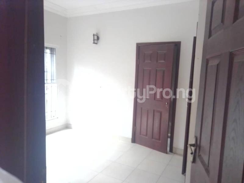 3 bedroom Blocks of Flats House for rent Banire str, off fashoro Ojuelegba Surulere Lagos - 4