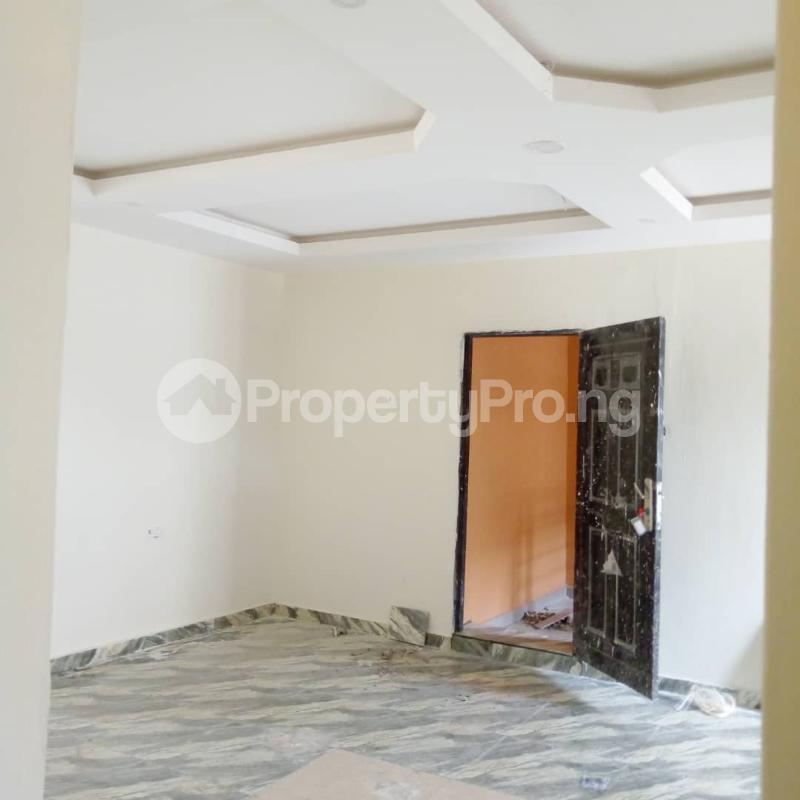 3 bedroom Flat / Apartment for rent Off Aiyelegun Road, Bucknor Isolo Lagos - 7