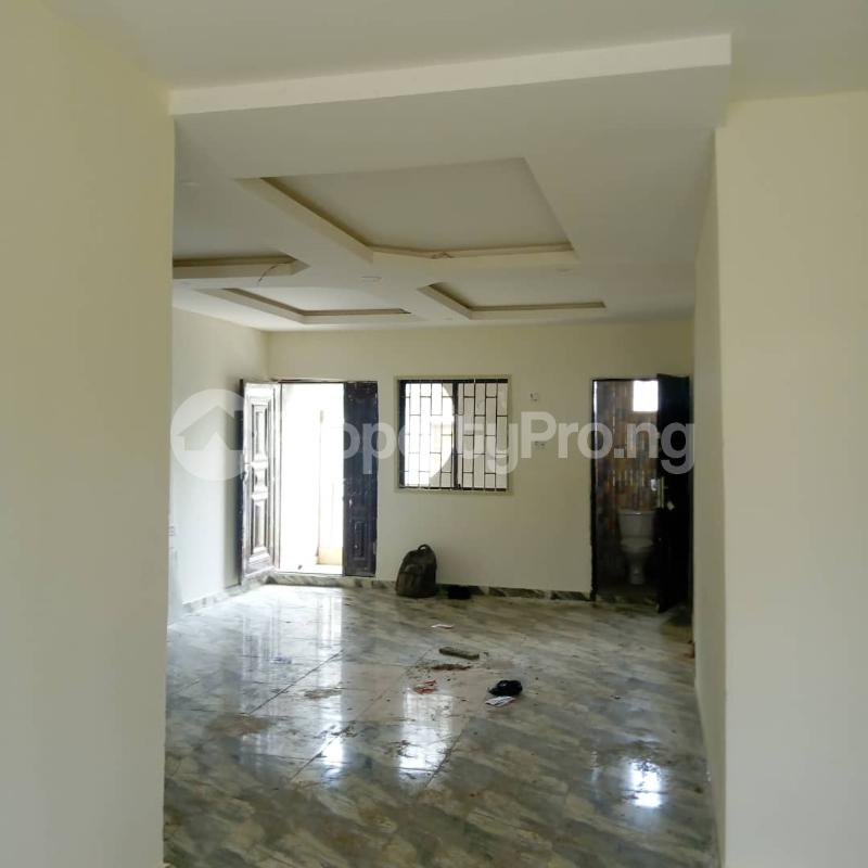 3 bedroom Flat / Apartment for rent Off Aiyelegun Road, Bucknor Isolo Lagos - 8