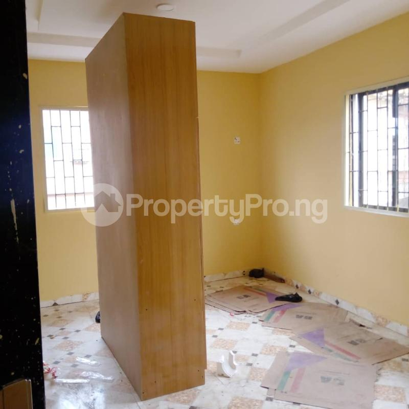 3 bedroom Flat / Apartment for rent Off Aiyelegun Road, Bucknor Isolo Lagos - 6