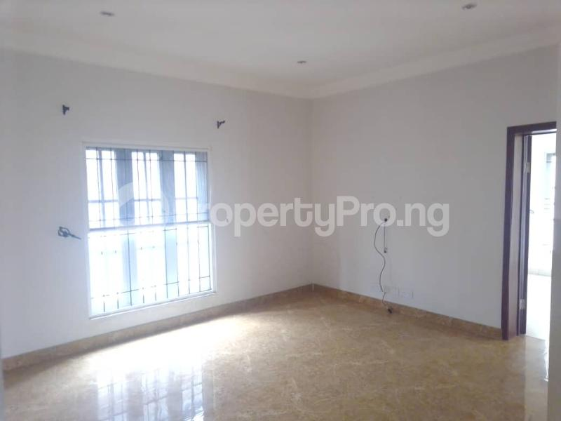 3 bedroom Blocks of Flats House for rent Banire str, off fashoro Ojuelegba Surulere Lagos - 3