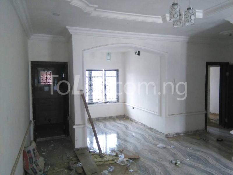 3 bedroom Flat / Apartment for rent No sobo siffre street, Arowojobe Estate,Mende Maryland, Lagos. Mende Maryland Lagos - 8