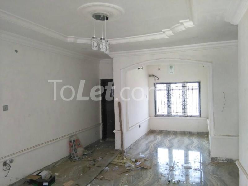 3 bedroom Flat / Apartment for rent No sobo siffre street, Arowojobe Estate,Mende Maryland, Lagos. Mende Maryland Lagos - 10