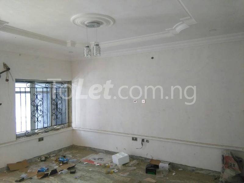 3 bedroom Flat / Apartment for rent No sobo siffre street, Arowojobe Estate,Mende Maryland, Lagos. Mende Maryland Lagos - 3