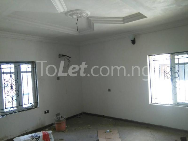 3 bedroom Flat / Apartment for rent No sobo siffre street, Arowojobe Estate,Mende Maryland, Lagos. Mende Maryland Lagos - 9