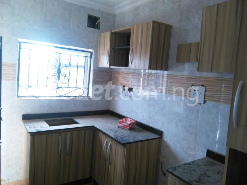 3 bedroom Flat / Apartment for rent No sobo siffre street, Arowojobe Estate,Mende Maryland, Lagos. Mende Maryland Lagos - 6
