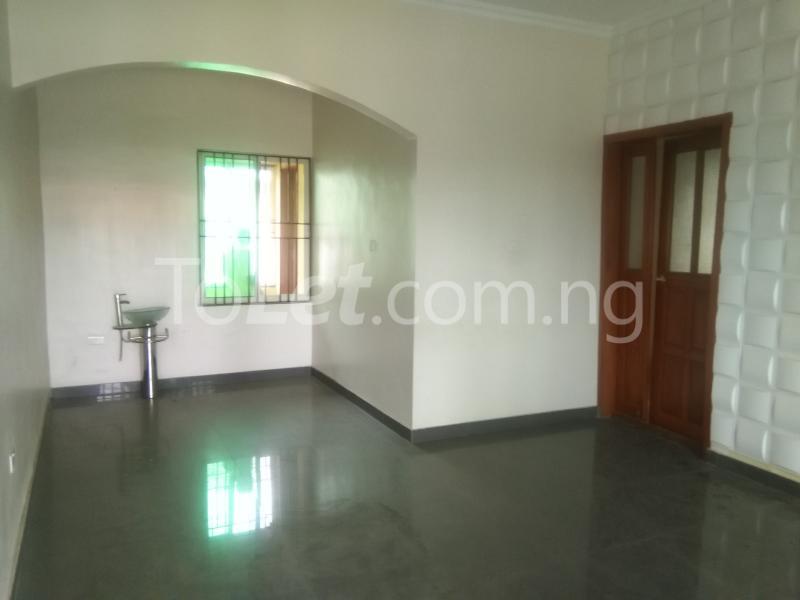 3 bedroom Flat / Apartment for rent Grace Nduko Street at Arowojobe Estate. Mende Maryland Lagos - 1