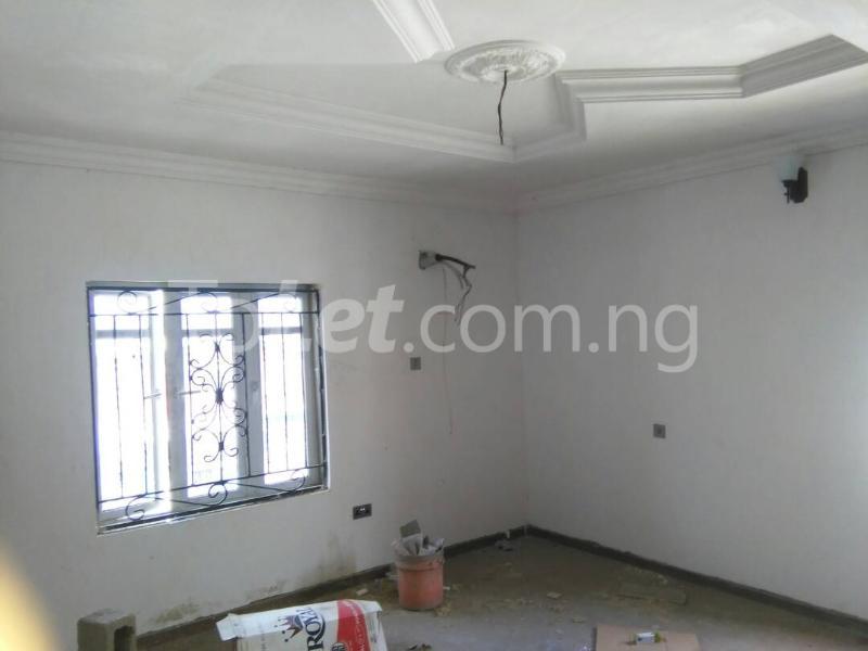 3 bedroom Flat / Apartment for rent No sobo siffre street, Arowojobe Estate,Mende Maryland, Lagos. Mende Maryland Lagos - 4