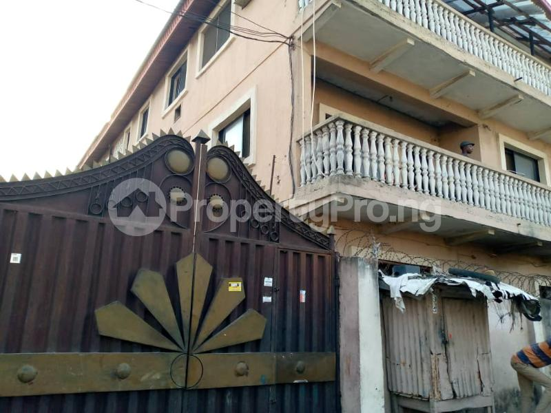 3 bedroom Shared Apartment Flat / Apartment for rent Alagomeji Alagomeji Yaba Lagos - 0
