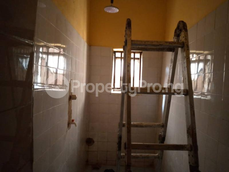 3 bedroom Shared Apartment Flat / Apartment for rent Alagomeji Alagomeji Yaba Lagos - 11