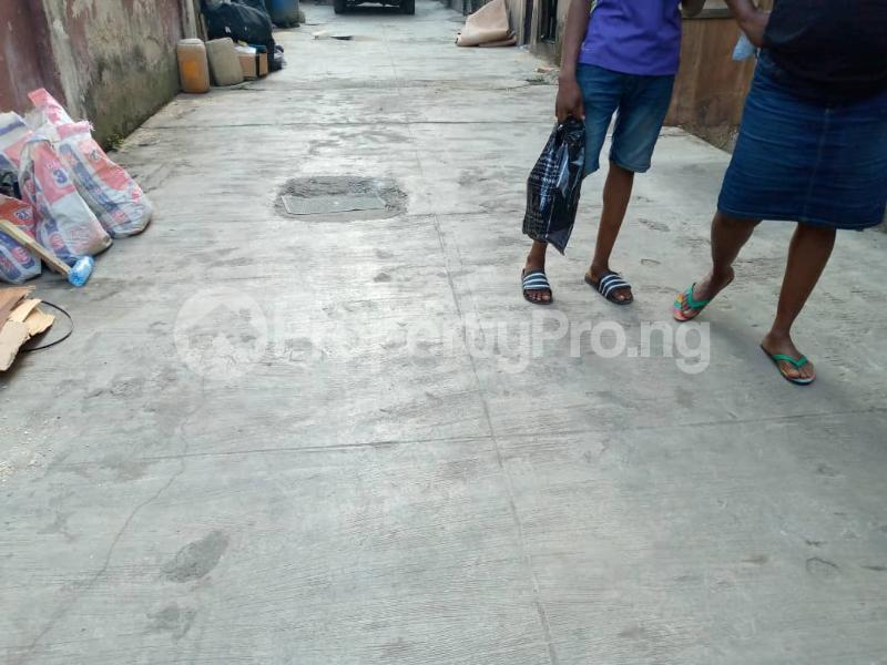 3 bedroom Shared Apartment Flat / Apartment for rent Alagomeji Alagomeji Yaba Lagos - 5