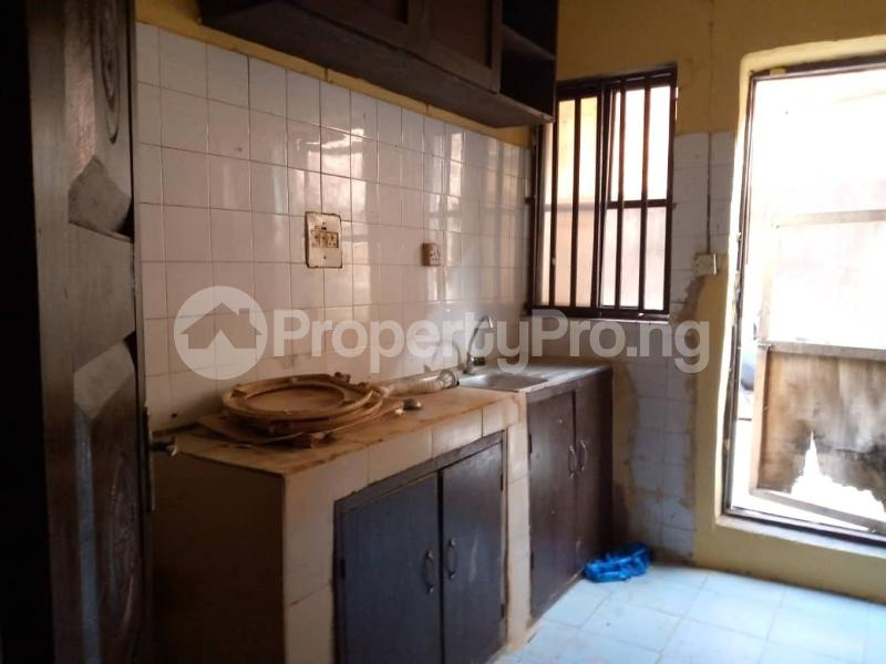 3 bedroom Shared Apartment Flat / Apartment for rent Alagomeji Alagomeji Yaba Lagos - 8