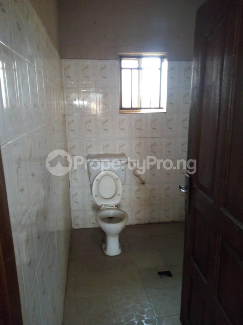 3 bedroom Blocks of Flats House for rent Daramola street  Agodi Ibadan Oyo - 6