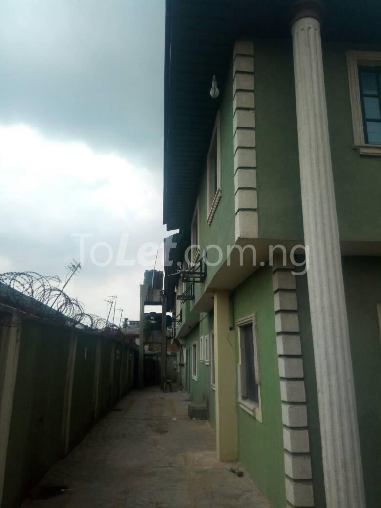3 bedroom Flat / Apartment for sale Off Oriola street Alapere Kosofe/Ikosi Lagos - 2